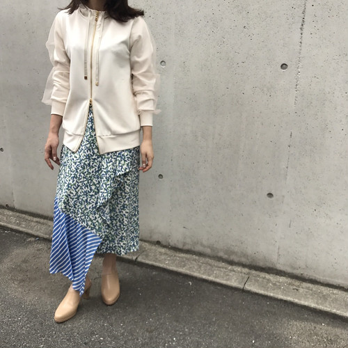 CLOCHE/柄アシンメトリースカート