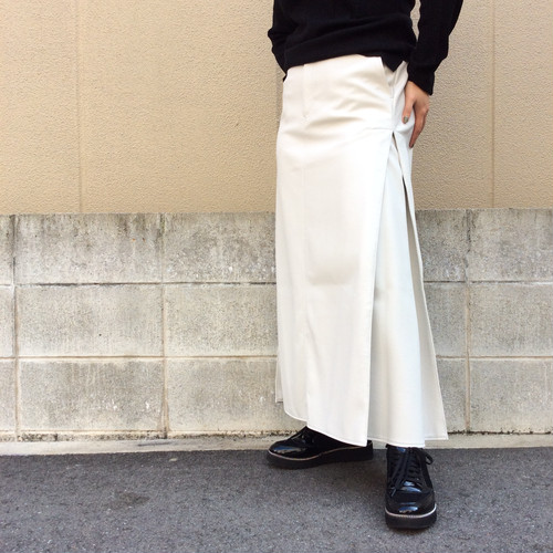 CLOCHE/フェイクレザーフレアスカート