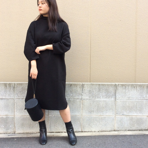 anana/ハイネックタイトミディ丈ワンピース