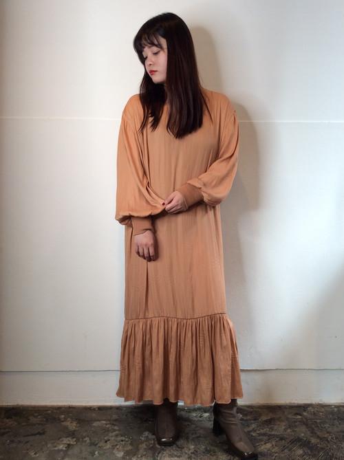 CHIGNONSTAR/裾フレアワンピース