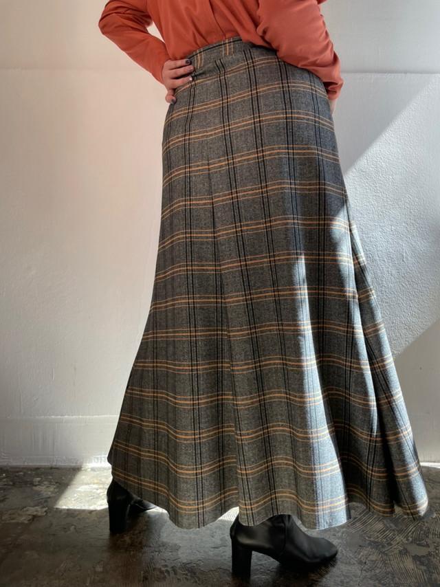 ヘリンボーン台形スカート